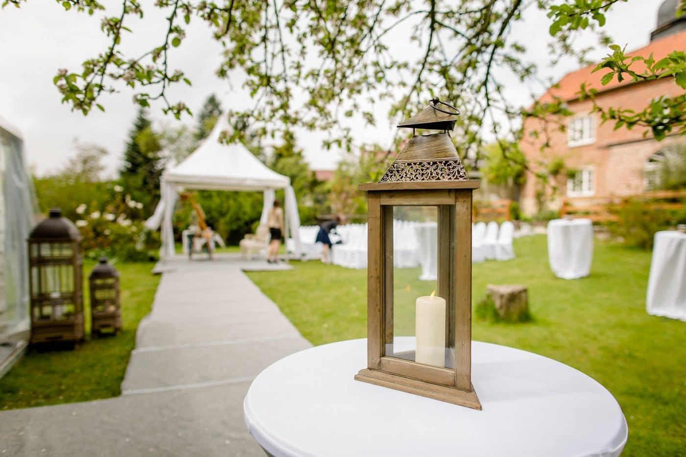 Festliche Tafel im Zeit bei einer Hochzeit in Jena