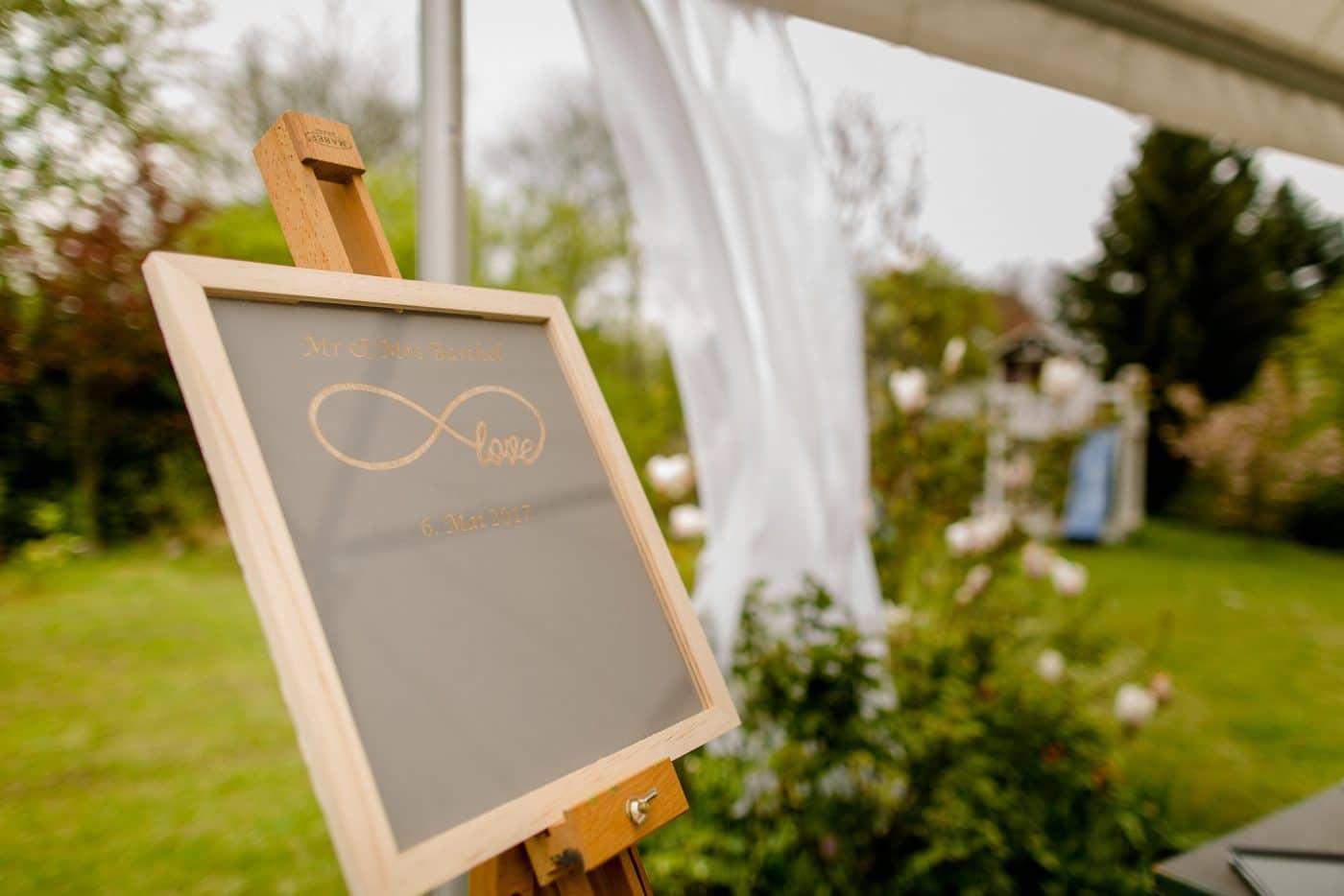 Kreidetafel bei einer Hochzeit