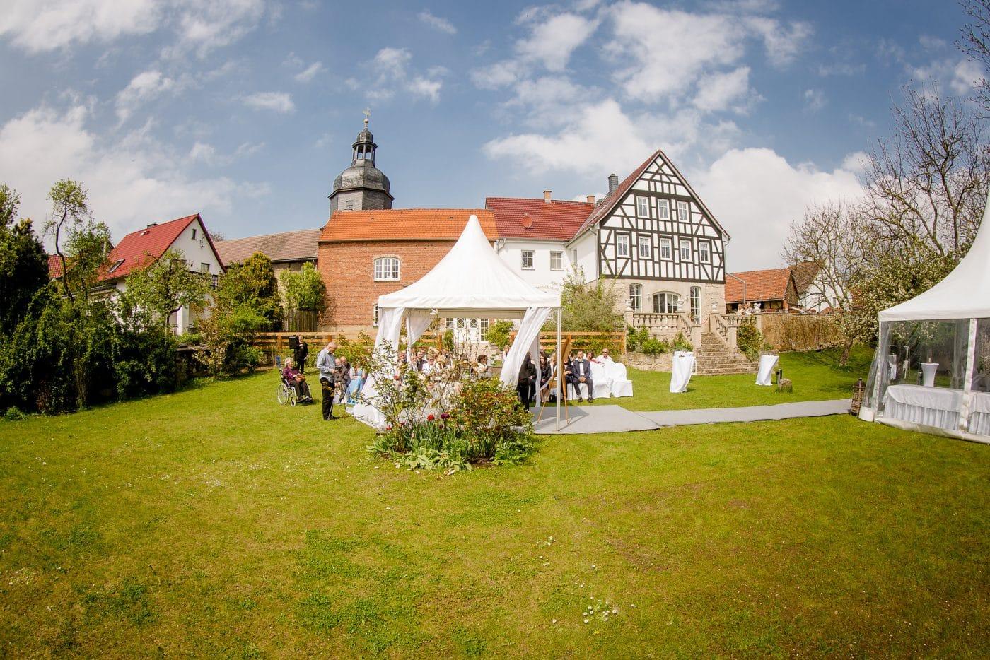 Hochzeitszelt im Garten der Residenz Jena