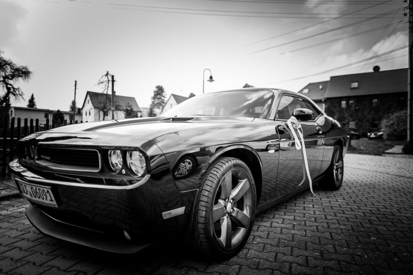 Jaguar vor der Residenz Jena